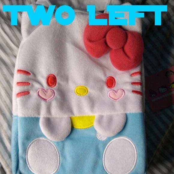 Hello Kitty Heart Cheek Bag